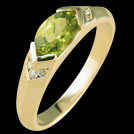 C530E Oval Peridot and Diamond Yellow Gold Ring